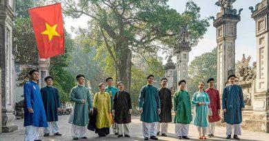 Ao Dai for men in Vietnamese cultural flow